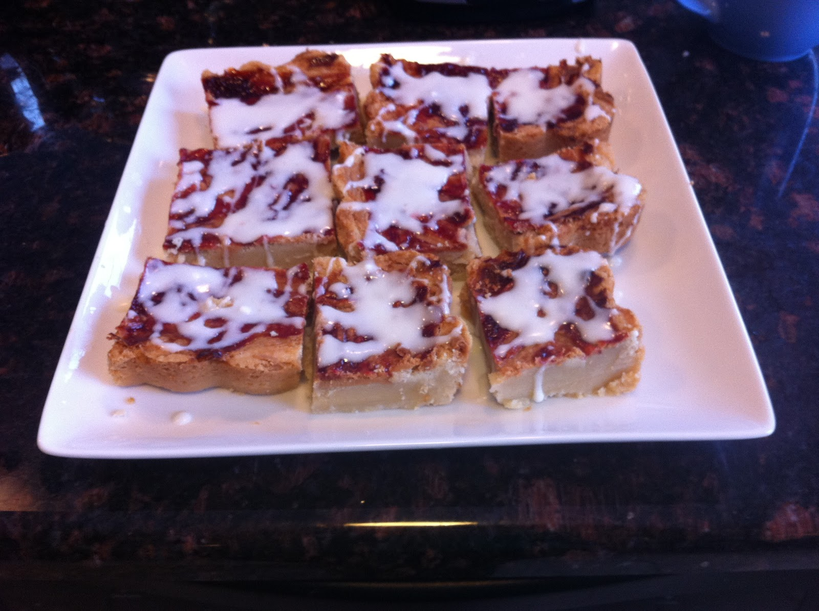 Flavors by Four: Peanut Butter and Jelly Shortbread Bars