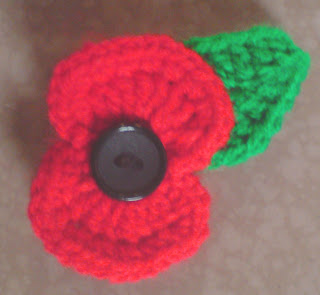 Knitting Pattern For A Remembrance Poppy : Lion Crafts Tutorials, Patterns and Inspiration: Crochet Poppy - Free Pattern