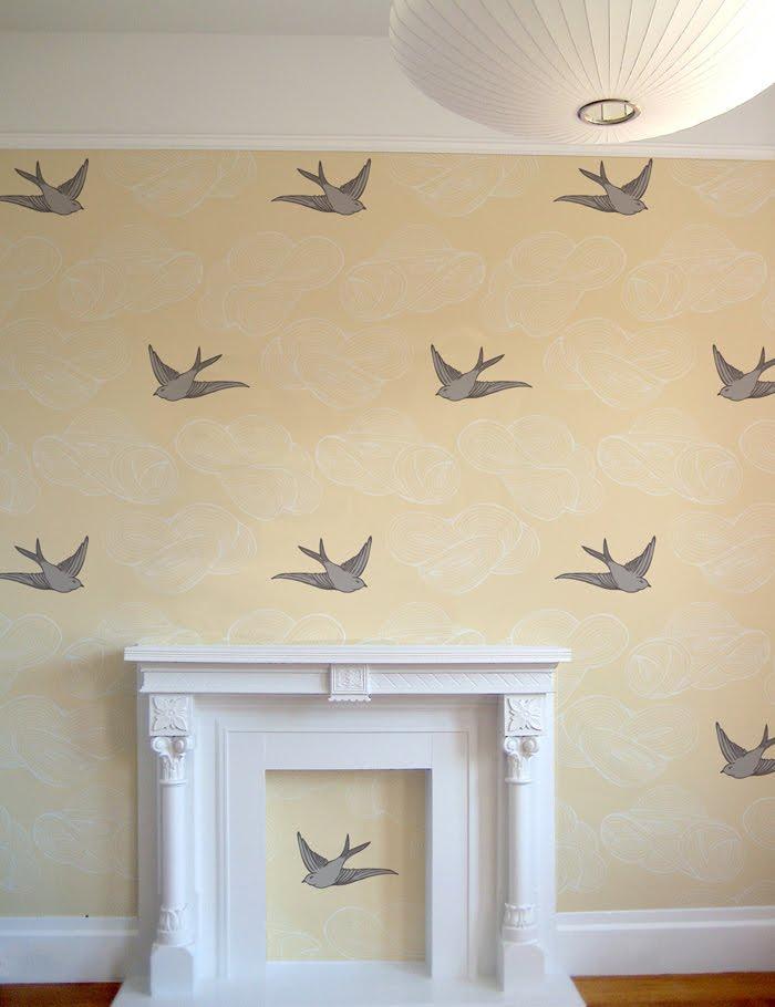 no es necesario que empapeles todas las paredes de una habitacin puedes combinar pintura y papel pintado a tu antojo incluso puedes empapelar varias