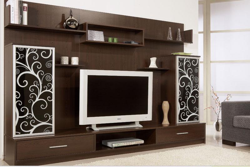 Beyaz siyah işlemeli kahverengi duvar üniteleri modeli.