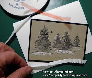 How to make a pleated ribbon strip