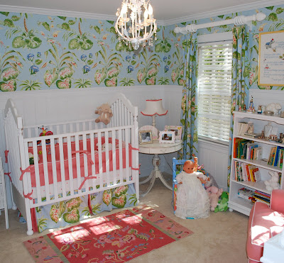 Stylish-nursery-with-bed-furniture-toys-lamp-and-unique-lampshade