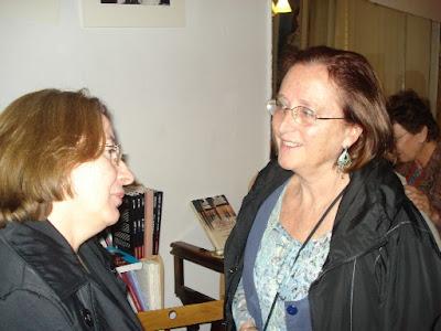 A droite, Christiane Achour