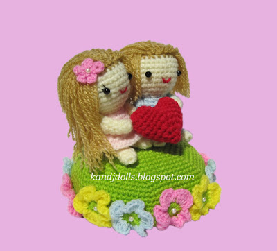 Click to see this Valentine pattern and other crochet patterns on my Etsy shop.
