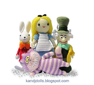 Alice in Wonderland dolls