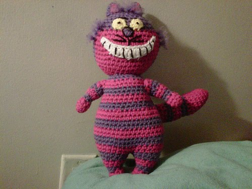 Cheshire Cat Amigurumi Crochet Pattern Free : Cheshire Cat and White Rabbit - Sayjai Amigurumi Crochet ...