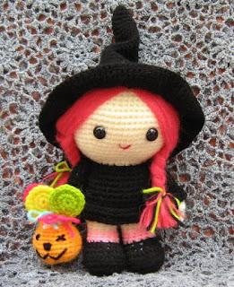 Amigurumi witch