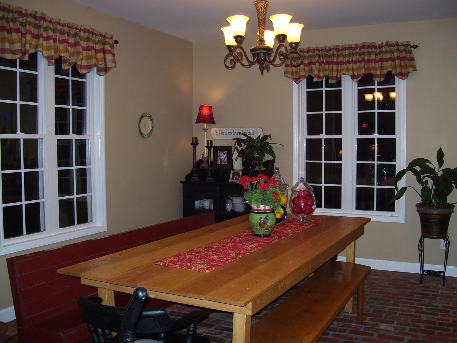 Broyhill Attic Heirloom Dining Table Sweet Jane Dining Room
