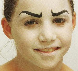 Como hacer un maquillaje de bruja guapa for Como pintarse de bruja guapa