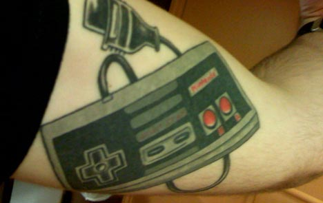 We recently posted some geeky video game tattoos, site de tattoo