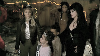 Camille Braverman as Elvira on Parenthood #1