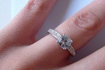 Buying Diamond Engagement Ring