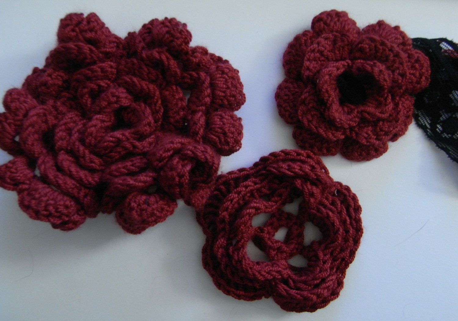 Crochet Flower Pattern Instructions : saraccino: Crochet flowers...