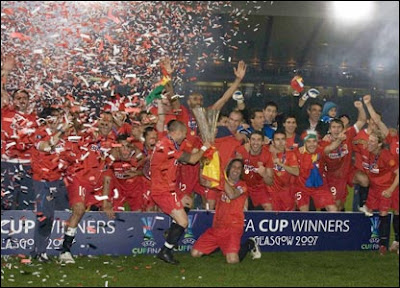 UEFA+Cup+winners+2007+Sevilla+FC.jpg