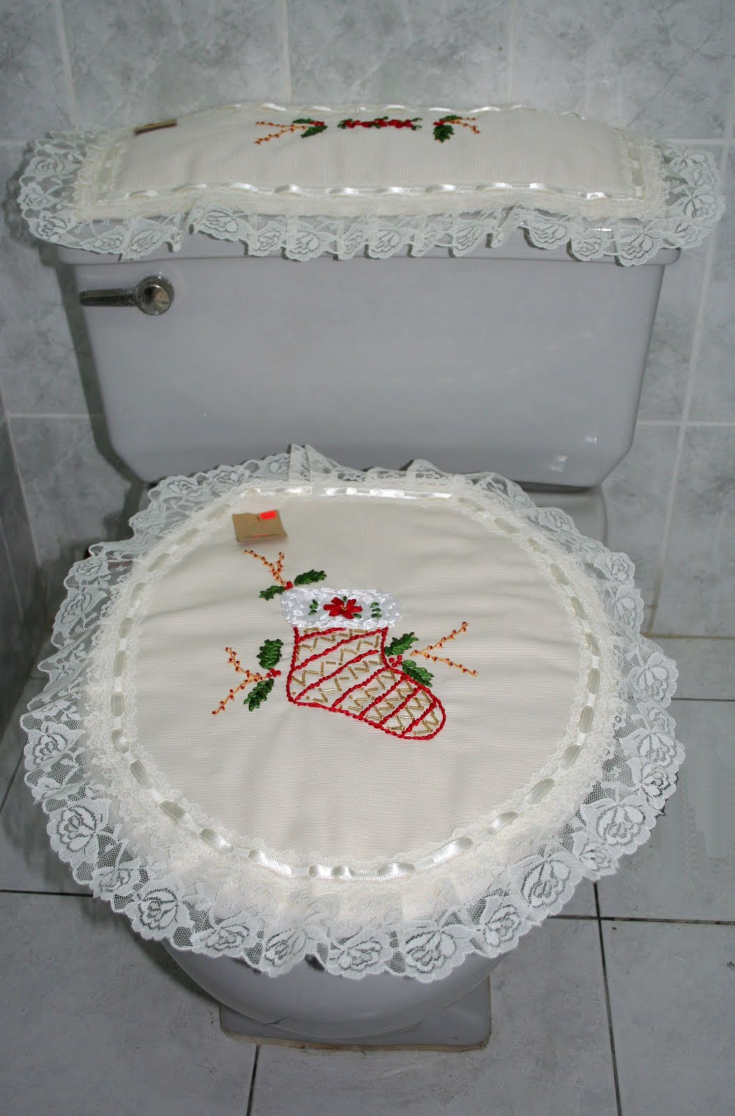 Juegos De Baño Bordados En Cinta:Lindo juego de baño con motivo navideño, bordado con cintas y con