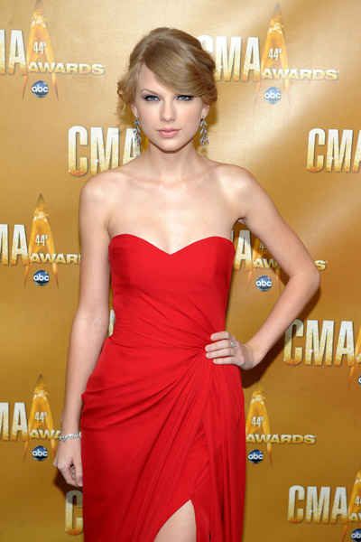 taylor swift, taylor swift latest short hairstyle photos, taylor swift latest short hairstyle photo, taylor swift latest short hairstyle picture, taylor swift latest short hairstyle pictures