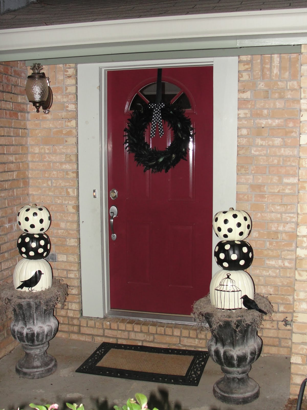 Imperfectly beautiful red to black front door makeover this is my front door last year at halloween i cannot wait to see what my black and white spooky chic decorations paired with my new chic black door look rubansaba
