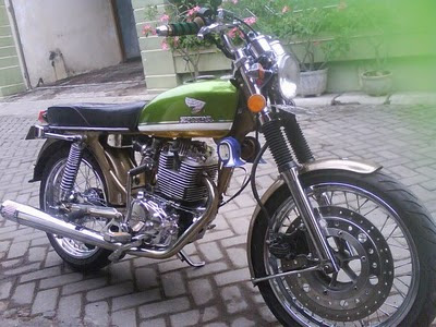 Modifikasi Honda CB 100 warna klasik antik