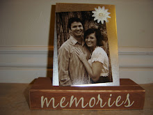 Single Picture Free-Standing Magnet Board