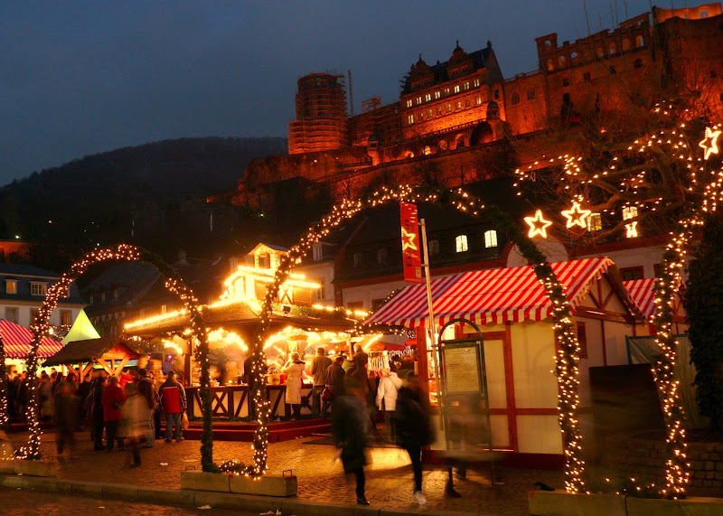 Paper Doll: Heidelberg Christmas Market
