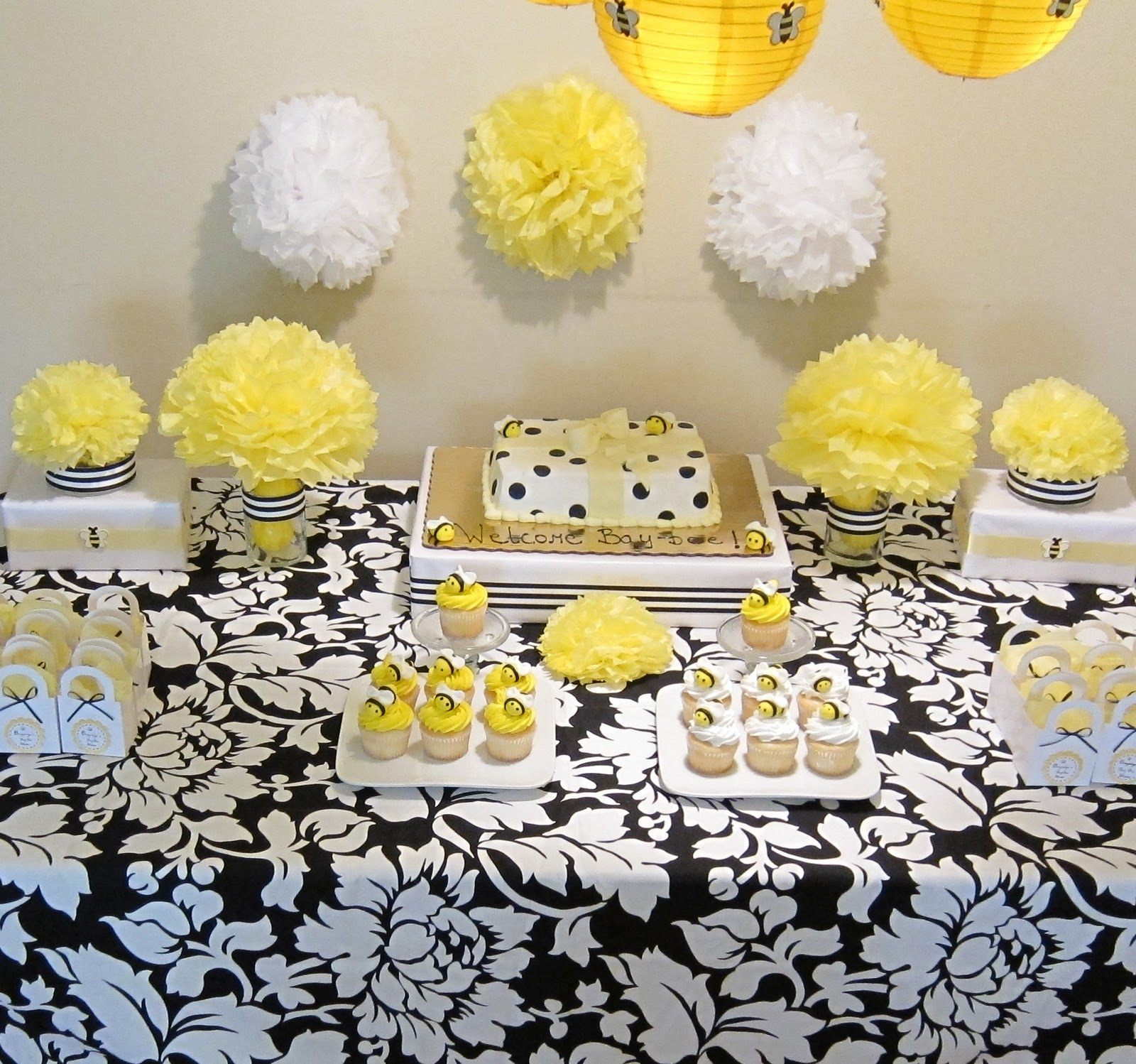 Baby shower bumble bee decorating ideas baby shower for Baby shower party decoration ideas