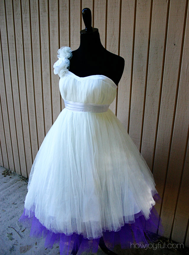 gwen stefani wedding. Gwen stefani wedding dress