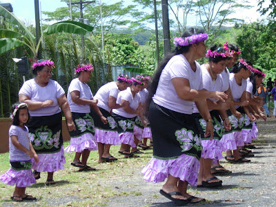 Women in costume dancing at the Pohnpei Culture Day. - Courtesy of 1.bp.blogspot.com