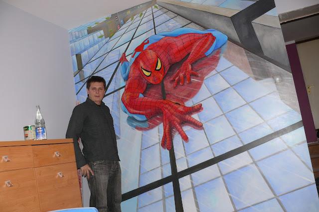 namalowany na ścianie spiderman w pokoju chłopca, Warszawa