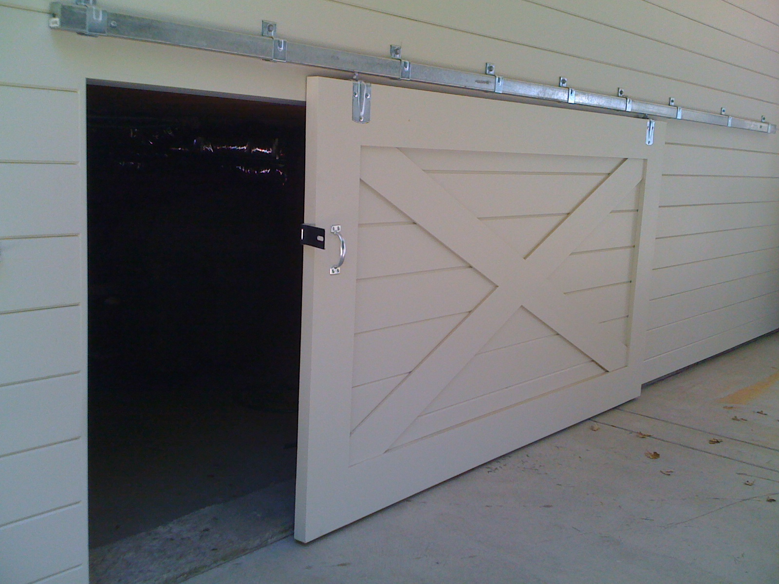 construct barn doors for track lightsRoselawnlutheran