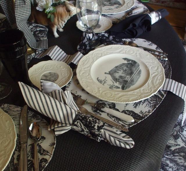 Nancyu0027s Daily Dish Toile de Jouy and Transferware ~ A Black u0026 White Tablescape & Nancyu0027s Daily Dish: Toile de Jouy and Transferware ~ A Black u0026 White ...