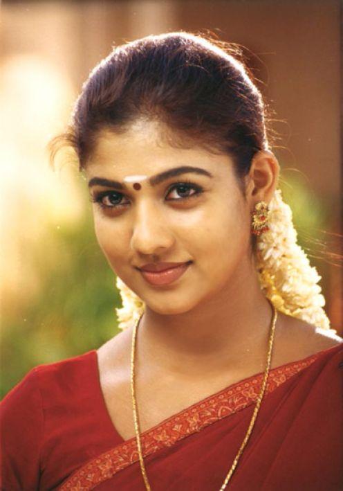 Nayanthara Photo In Green Saree Six