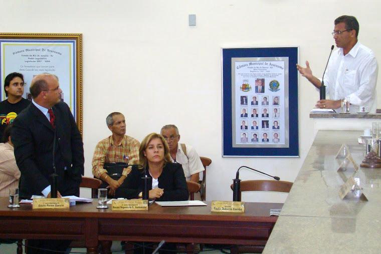 Vereador Saulo Peres atuando no Legislativo Araruamense
