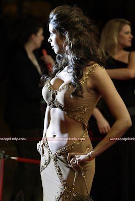 mallika_sherawat_hot_wallpaper_06_www.sweetangelonly.com