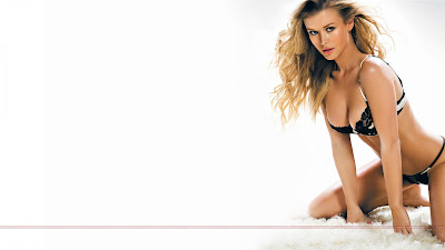Hollywood_Actress_Hot_Wallpapers_04_SweetAngelOnly.com