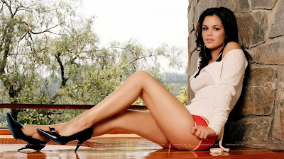 Hollywood_Actress_Hot_Wallpapers_66_SweetAngelOnly.com
