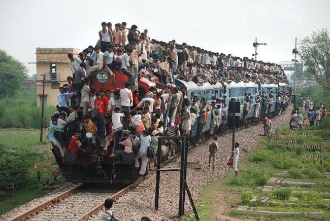 kereta api dengan penumpang terbanyak