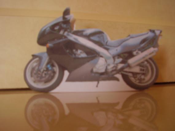 boite en forme de moto