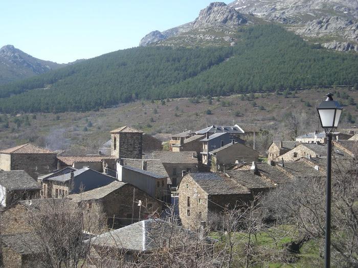 Valverde de los Arroyos, arquitectura negra