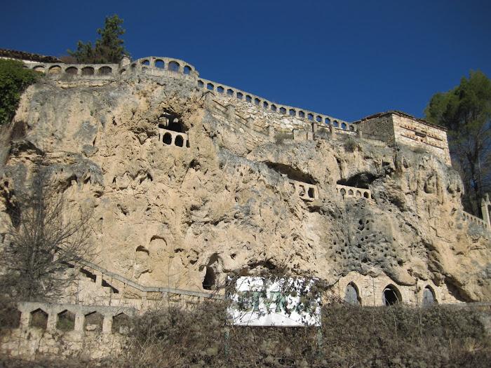 Cívica, arte en las rocas