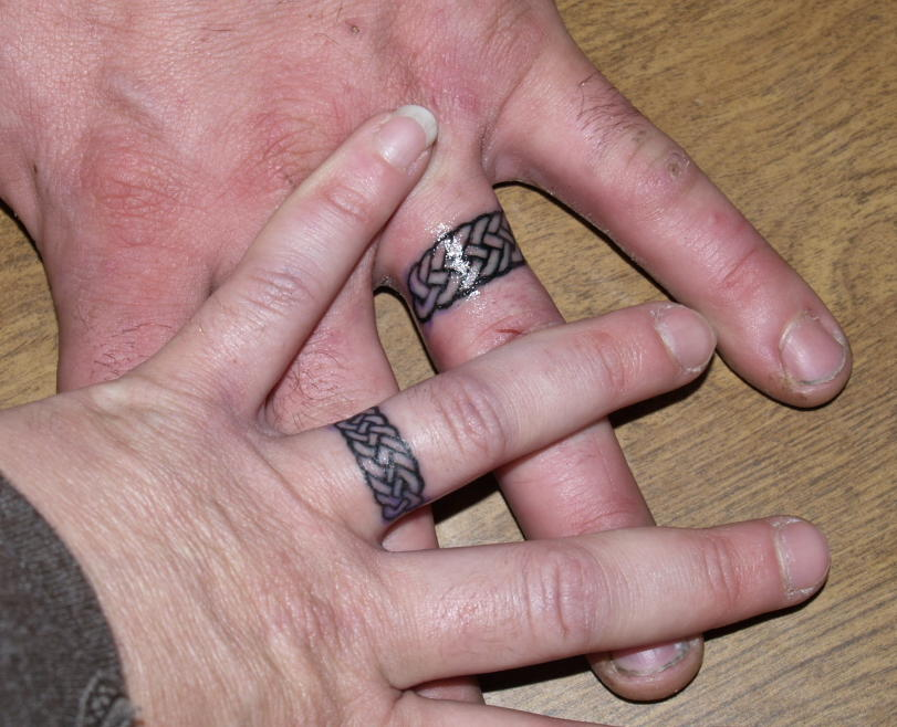 Tattoo style japanes wedding ring tattoos the ultimate for Celtic ring tattoos