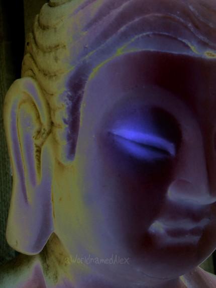 [blue+eyed+buddha]