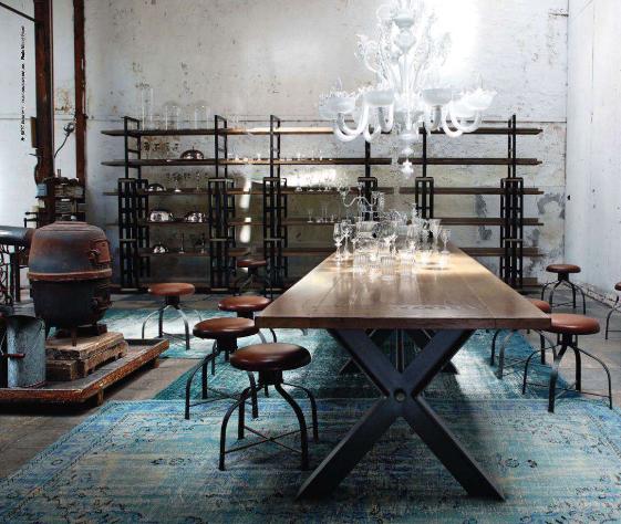 splendid sass advertising roche bobois. Black Bedroom Furniture Sets. Home Design Ideas
