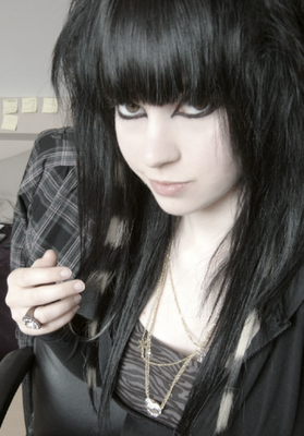 Long+Emo+Hair+Styles+for+Hot+Emo+Girls2.png