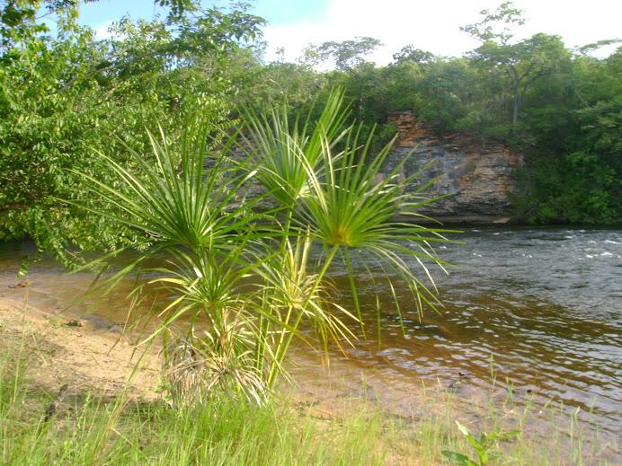 ITAGUARI - ita: PEDRAS - GUARI: aguas cristalinas
