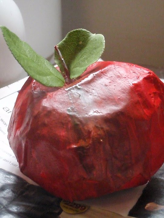 Blessings and simplicity paper mache apples a great for Easy paper mache crafts