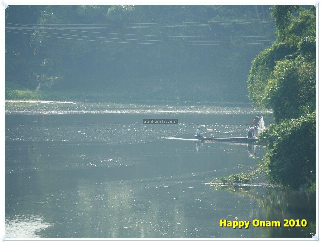 http://1.bp.blogspot.com/_jOg2UmhSQmc/THJeEBlAApI/AAAAAAAAA_s/wBr3g0869xw/s1600/onam-wallpaper-river.jpg