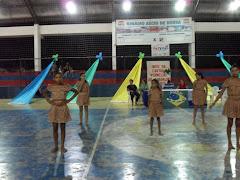 Apresentação de dança do Mandacaru com as crianças do PETI