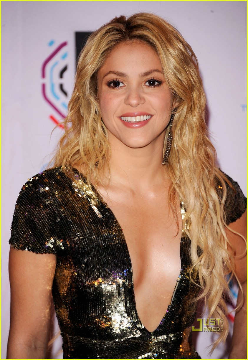 Shakira MTV EMAs 2010 Red Carpet Wallpapers Shakira