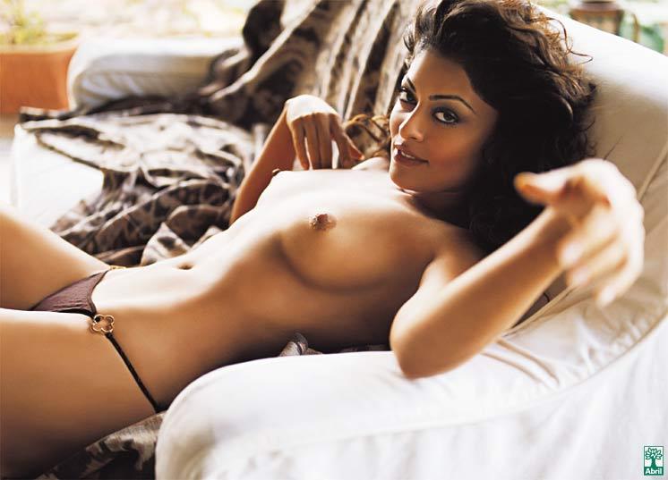 Amber Hall Nude