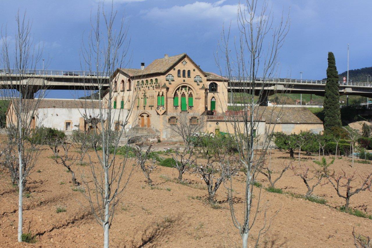 Con ixer catalunya la passi de sant quint el rom nic for Casas en el papiol